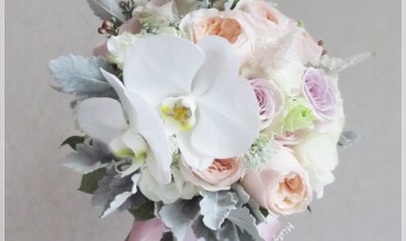 Bouquet with Juliet & white Phalaenopsis orchid
