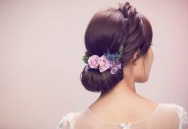大日子應該用鮮花或是頭飾?