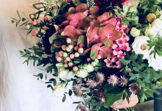 將最自然的花朵配搭出最完美的型態